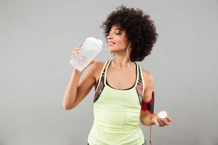 L'importanza del bere alimentazione capelli ricci