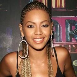 Acconciature capelli afro Alicia Keys