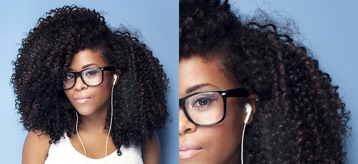 Foto capelli ricci afro Rhianna