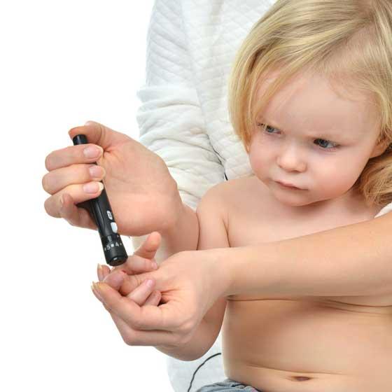 Iniezione di insulina bambino