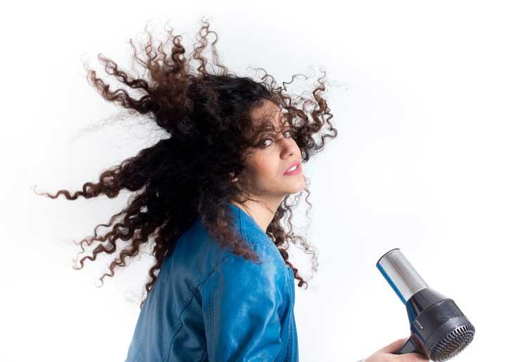 Consigli per disciplinare i capelli Afro phon