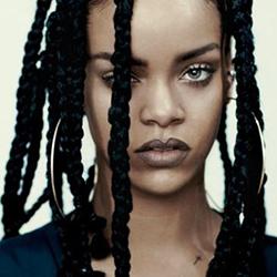 Acconciatura capelli afro Rhianna Foto