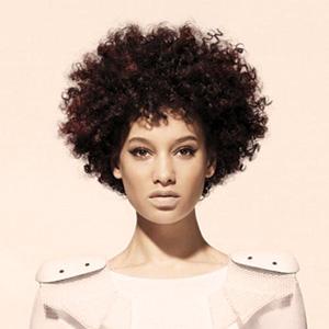 tagli capelli afro corti medi