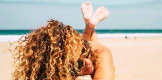 Salsedine e capelli ricci, per un'estate senza pensieri